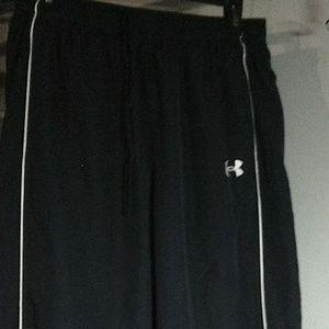 under Armour athletic pants size L